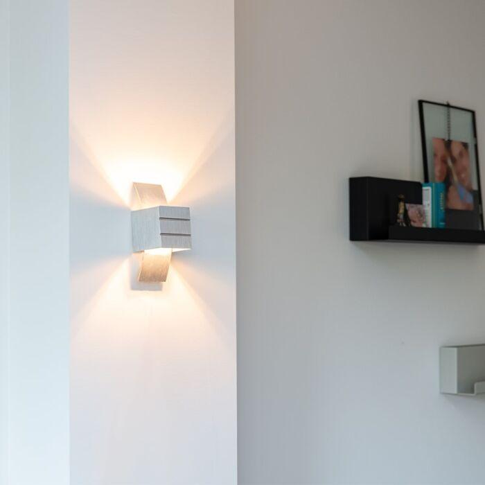 Vägglampa-'Amy'-Design-aluminium---Inomhus