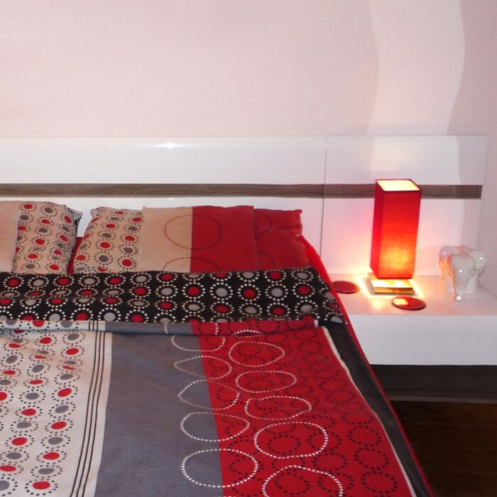 Bordslampa-med-dimmer-'Tower-Touch'-Moderna-röd/tyg-Inomhus