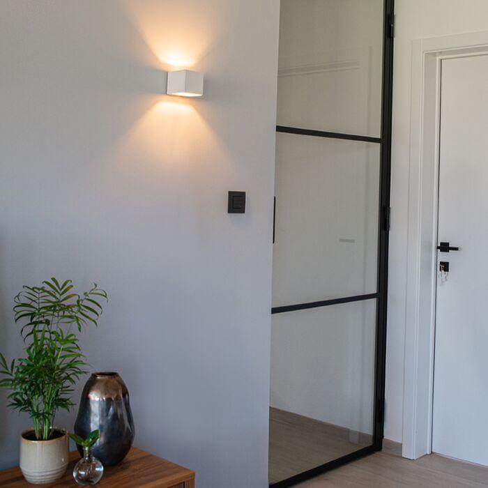 Modern-vägglampa-vit---Överföring