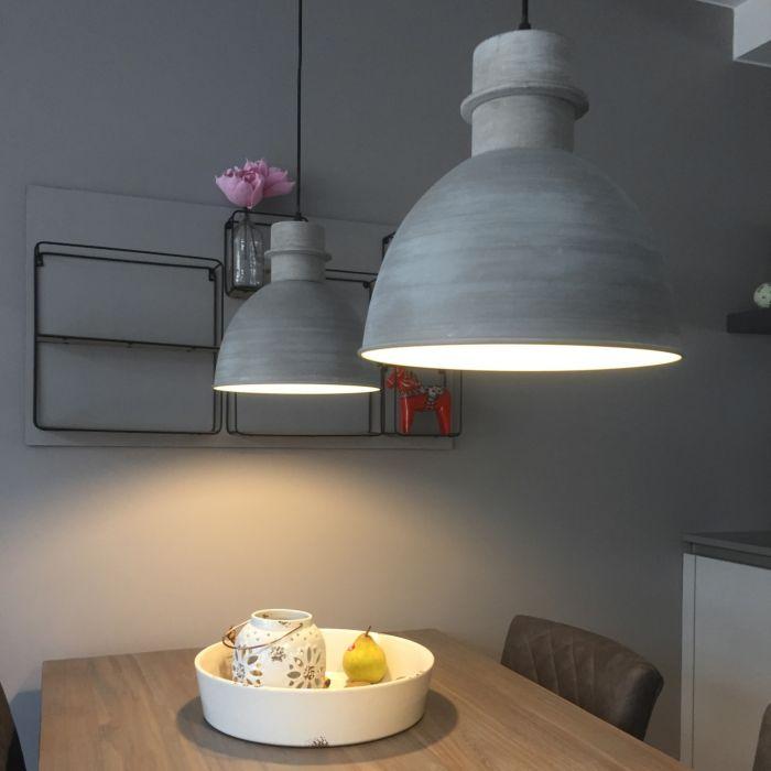 Uppsättning-av-två-hängande-lampor-grå---Dory
