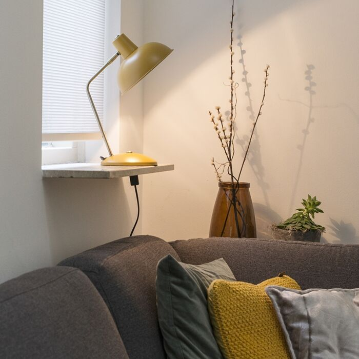 Retro-bordlampa-gul-med-brons---Milou