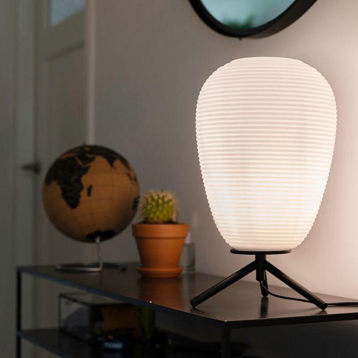 Design-bordslampa-svart-glas-24-cm-med-opalglas---Hero